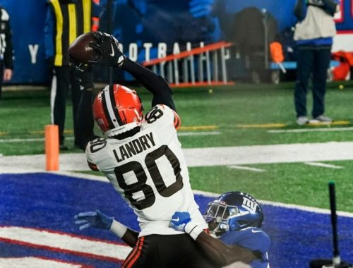 Browns Number 80 scores touchdown against steelers