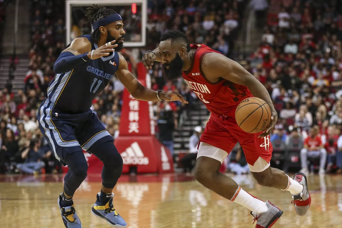 Rockets breaking the defense against the Grizzlies