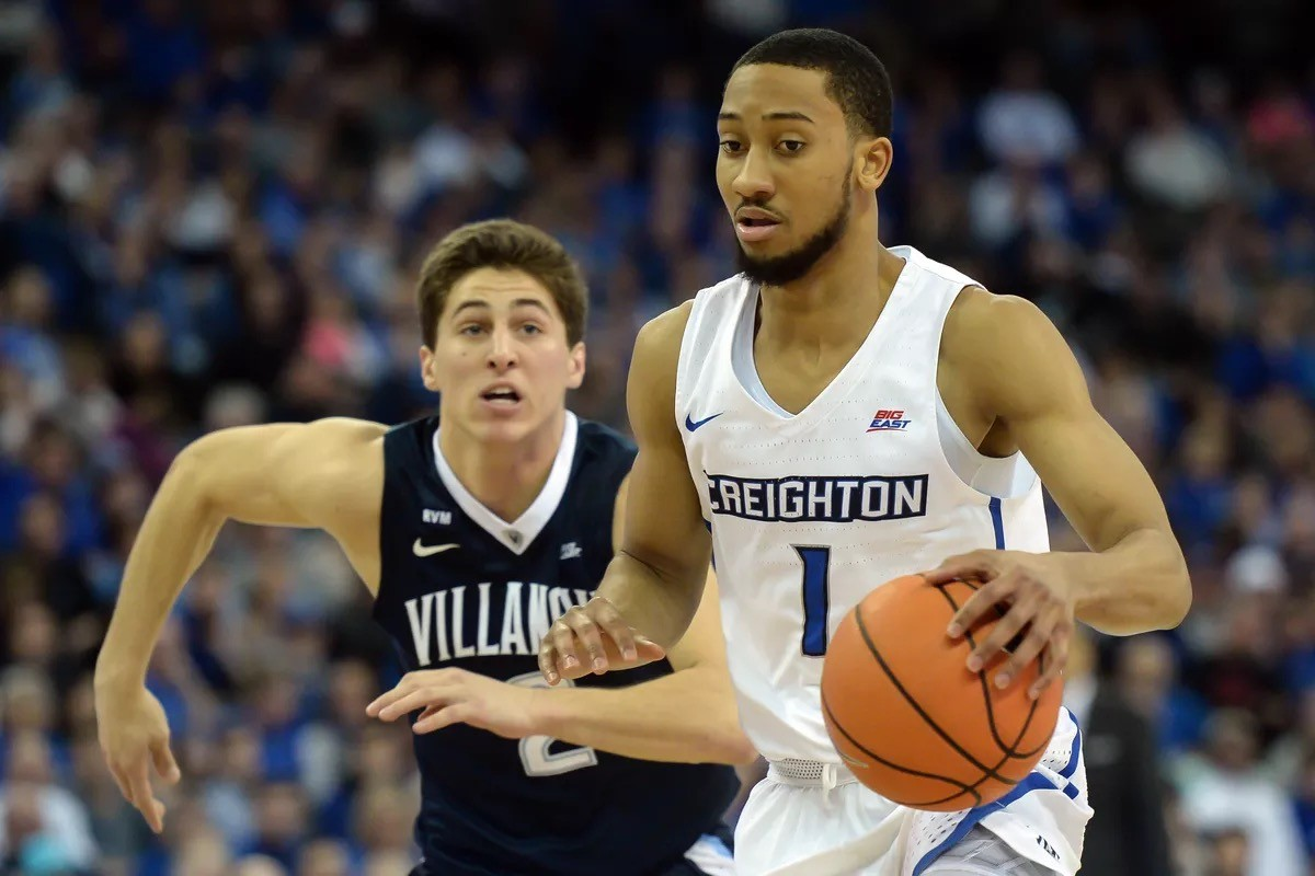 Creighton 1 gets away from Villanova and is ready to score