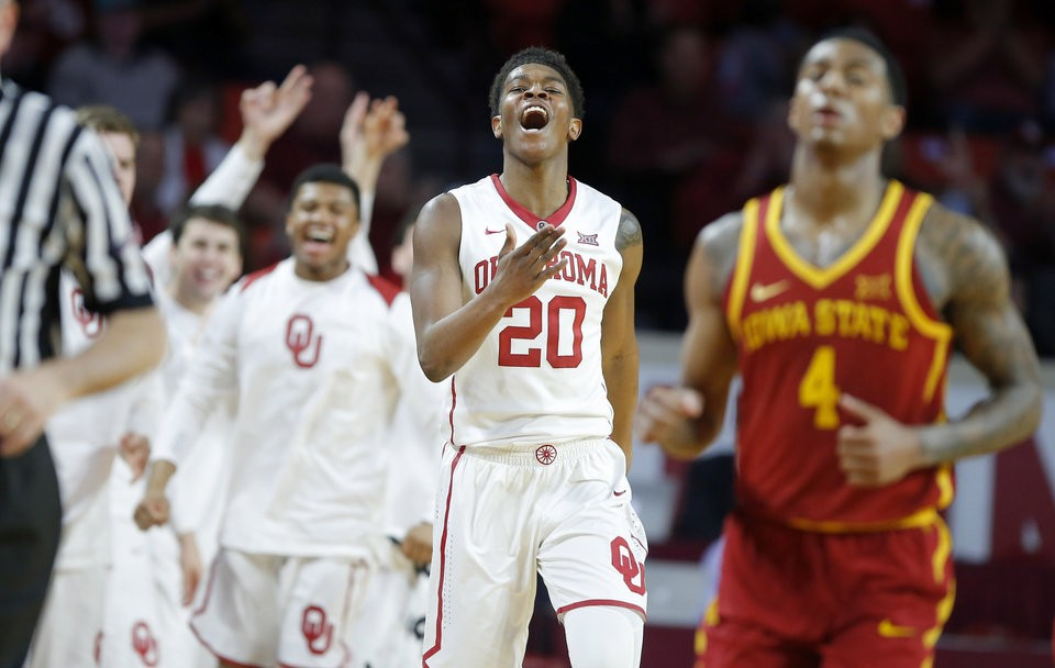 Sooners Celebrating a win against the Cyclones